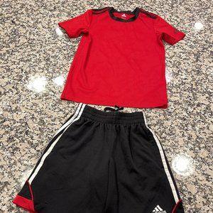 Boys Adidas Set Short sleeve top & shorts.